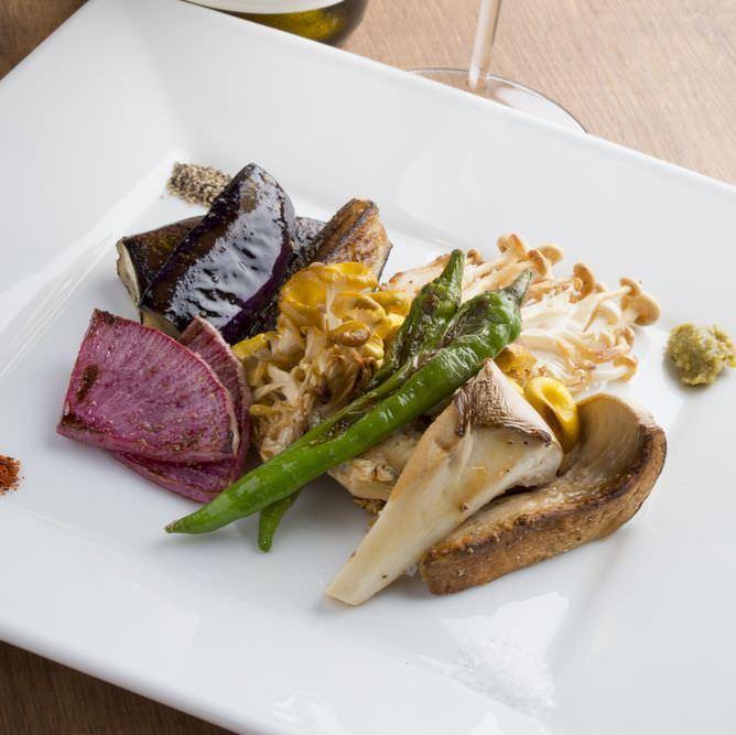 関内で素材の美味しさを堪能できる<焼き野菜>