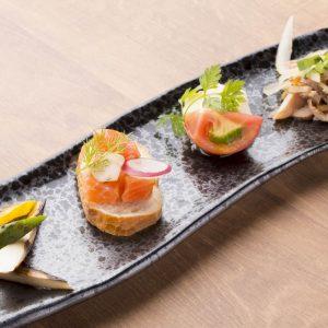 黒毛和牛の鉄板焼きが味わえる【円居 -MADOy- 横浜関内】の前菜メニュー
