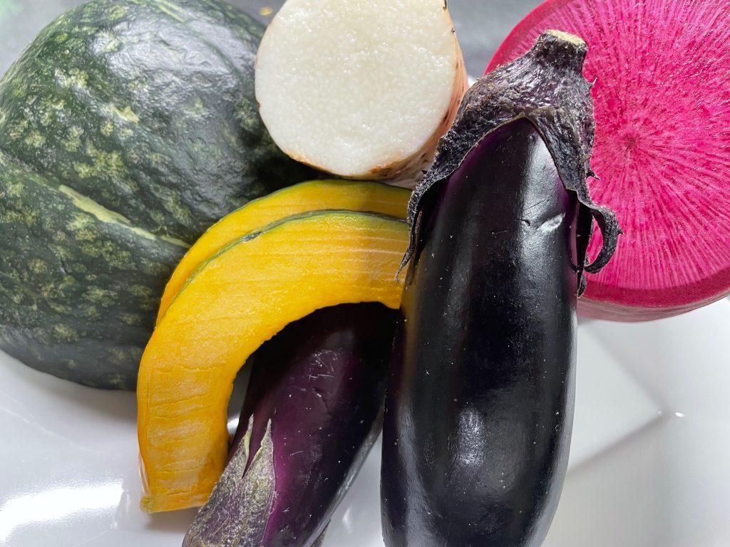 【円居 -MADOy- 横浜関内】でご用意している季節野菜の鉄板焼き